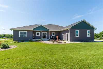 Cedar Falls Single Family Home For Sale: 4111 Wild Horse Drive