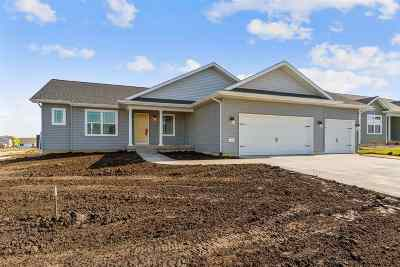 Cedar Falls Single Family Home For Sale: 5308 Arbors Drive