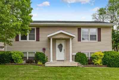 Waterloo Single Family Home For Sale: 1309 Fleur Drive