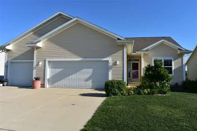 Cedar Falls Single Family Home For Sale: 1422 Austin Way