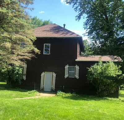 Oelwein IA Single Family Home For Sale: $89,500