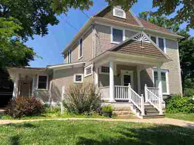 Elkader IA Single Family Home For Sale: $215,000