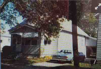 Oelwein Single Family Home For Sale: 417 4th Ave SE