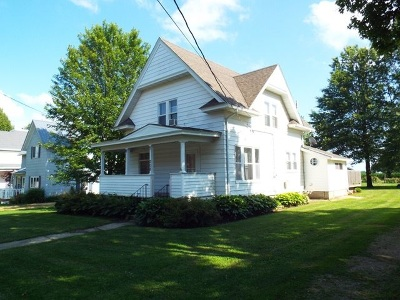 Strawberry Point Single Family Home For Sale: 208 E Elm Street