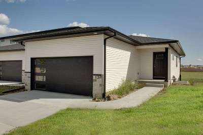 Cedar Falls IA Condo/Townhouse For Sale: $229,900