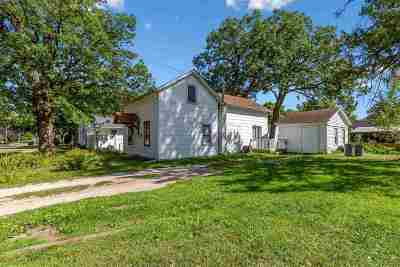 Single Family Home For Sale: 505 3rd St SW