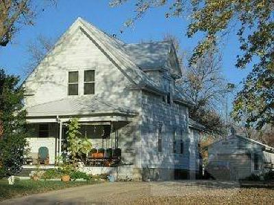 Jefferson Single Family Home For Sale: 615 S Chestnut Street