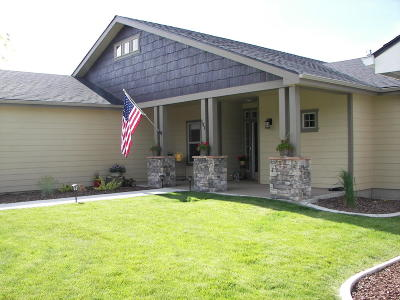 Blanchard Single Family Home For Sale: 154 Ironwood Dr