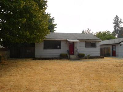 Hauser Lake, Post Falls Single Family Home For Sale: 208 E 12th Ave