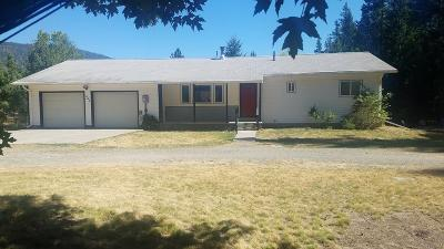 Bonners Ferry Single Family Home For Sale: 555 Meadow Creek Rd