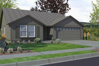Post Falls Single Family Home For Sale: 1224 Staples