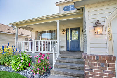 Single Family Home For Sale: 1698 N Willamette Dr