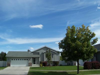 Hauser Lake, Post Falls Single Family Home For Sale: 2690 Sparrow Loop