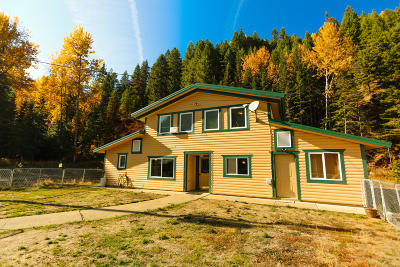 Shoshone County Single Family Home For Sale: 2450 W Fork Pine Creek Rd