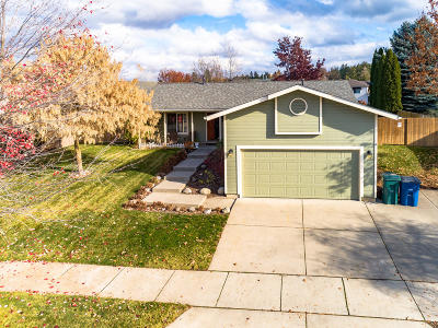Post Falls Single Family Home For Sale: 701 S River Heights Dr