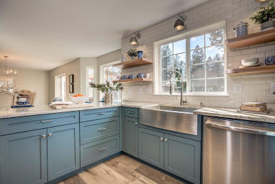 Post Falls Single Family Home For Sale: 704 S Riverside Harbor Dr