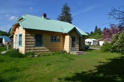 Newport Single Family Home For Sale: 900 W Hwy 2