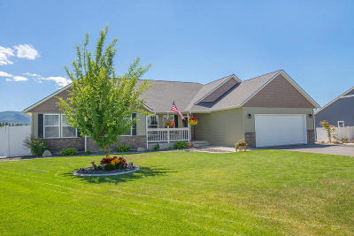 Post Falls Single Family Home For Sale: 2948 N Radiant Star Rd