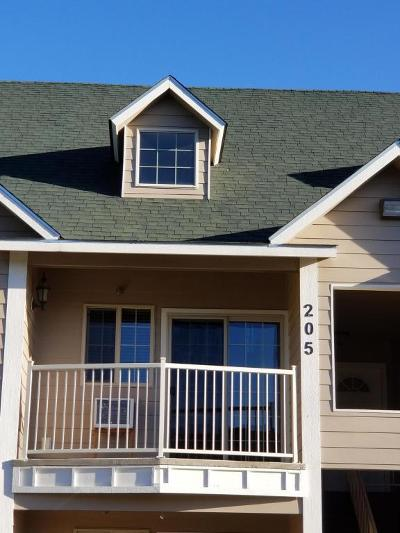 Hauser Lake, Post Falls Condo/Townhouse For Sale: 842 N Chase Rd #205