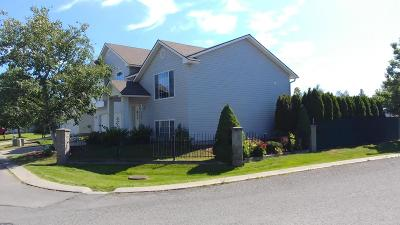 Post Falls Single Family Home For Sale: 2600 N Wickiup Dr