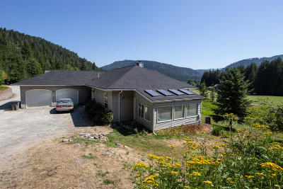 Sandpoint Single Family Home For Sale: 237 Lower Pack River Rd