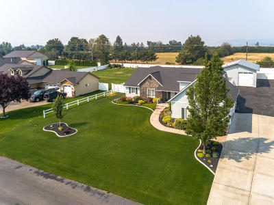 Post Falls Single Family Home For Sale: 2450 W Falling Star Loop