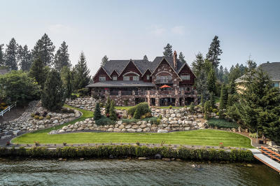 Kootenai County Single Family Home For Sale: 1300 S Riverside Harbor Dr