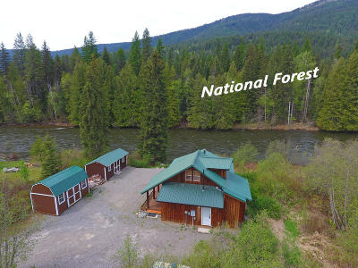 Bonners Ferry Single Family Home For Sale: 5908 Moyie River Rd