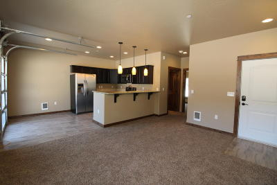 Bayview Condo/Townhouse For Sale: 33972 N Corbin St #A2
