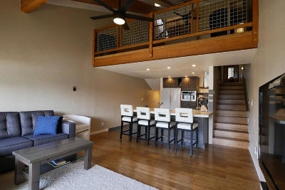 Sandpoint Condo/Townhouse For Sale: 301 Iberian Way #250