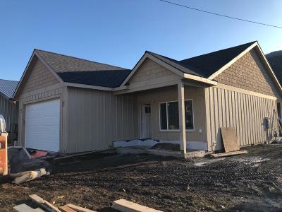 Shoshone County Single Family Home For Sale: 509 E Walnut Ave