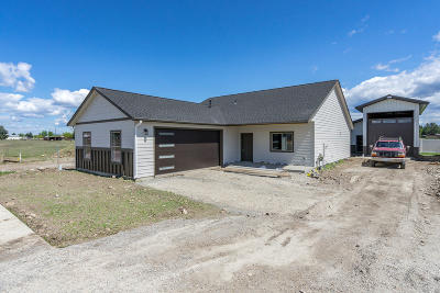 Post Falls Single Family Home For Sale: 1768 N Silo St