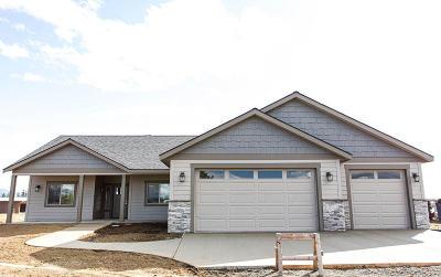 Athol Single Family Home For Sale: 1270 E War Eagle Ave