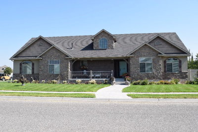 Ammon Single Family Home For Sale: 3333 E Greenwillow Drive