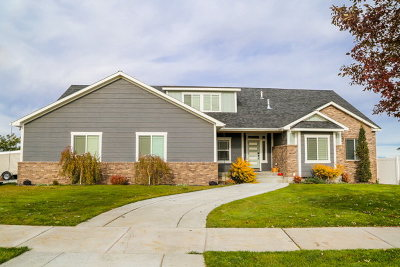 Idaho Falls Single Family Home For Sale: 6369 E Tower Castle Loop