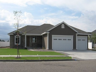 Idaho Falls Single Family Home For Sale: 327 Firethorn Drive