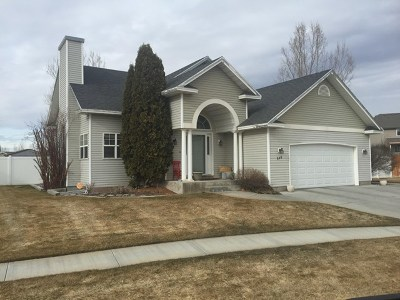 Ammon Single Family Home For Sale: 310 N Red Fox Drive