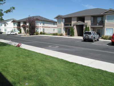 Idaho Falls Multi Family Home For Sale: 153 Clubhouse Circle