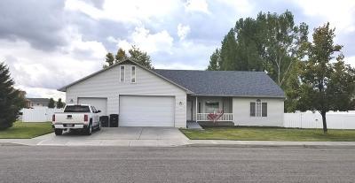 Ammon Single Family Home For Sale: 3111 E Wimbledon Circle