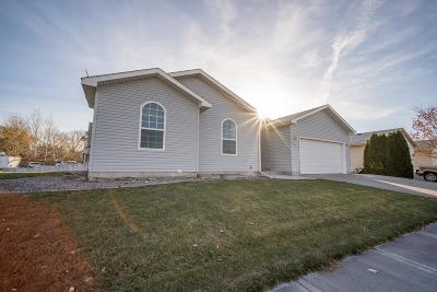 Ammon Single Family Home For Sale: 201 N Red Fox Drive