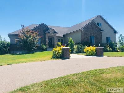 Rigby Single Family Home For Sale: 76 N Cambridge Drive