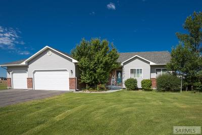 Rigby Single Family Home For Sale: 105 N 3962 E