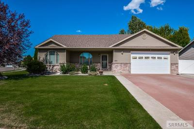 Idaho Falls Single Family Home For Sale: 400 Kings Mill Circle