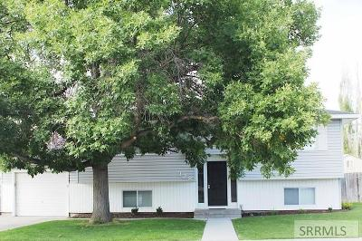 Rexburg Single Family Home For Sale: 328 Cul De Sac