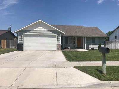 American Falls ID Single Family Home For Sale: $154,900