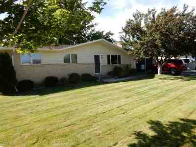 Chubbuck Single Family Home Und Cont W/Cntg-Sell Home: 4847 Hawthorne Road