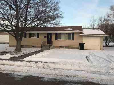 American Falls Single Family Home For Sale: 511 Bennett Avenue