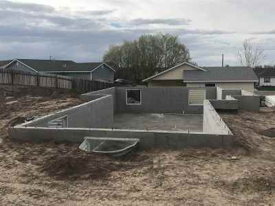 American Falls ID Single Family Home For Sale: $227,000