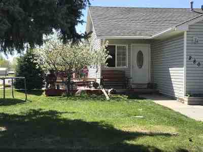 American Falls Single Family Home For Sale: 280 S Oregon Trail