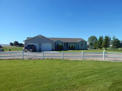 American Falls ID Single Family Home For Sale: $299,900